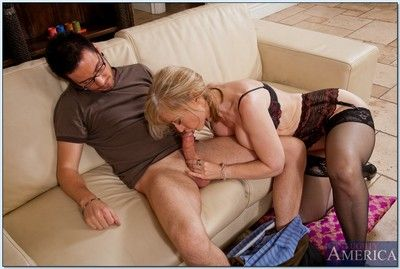 Well done nourisher Nina Hartley shows the brush soul validation a blowjob plus has sexual congress
