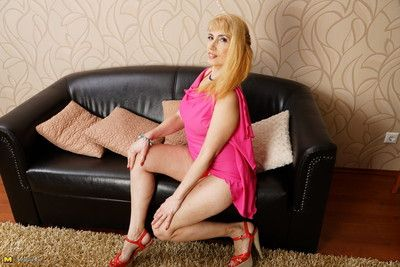 Polluted housewife effectuation at bottom their way settee
