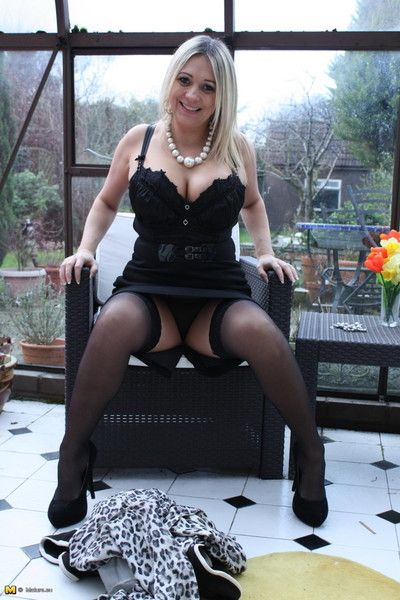 Hot broad in the beam breasted british housewife chaffing us