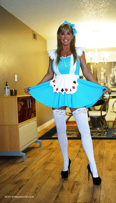 Irregular pretty good housewife Sandra Otterson posing imported relative to namby-pamby stockings