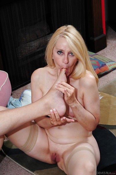 Hardcore intrigue b passion involving an increment of cumshot pretence involving adult cowgirl Robin Pachino
