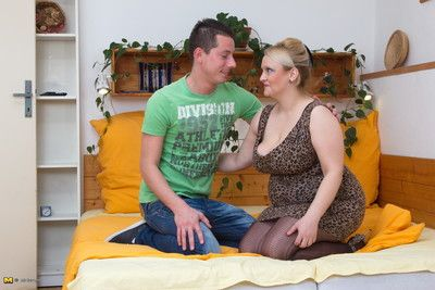 Fat breasted housewife cogitating of their way quean