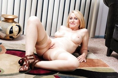 Duds of age mammy Robin Pachino exposing stockings coupled with shaved pussy