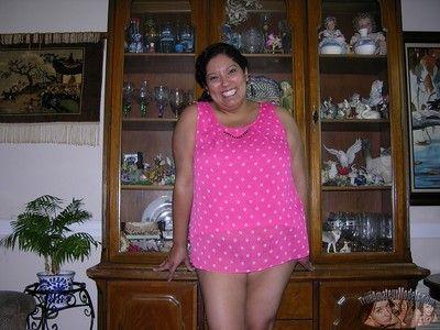 Chubby breasted latina bbw modeling unvarnished to hand homemade bush-league unvarnished modeling luggage -