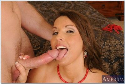 Full-grown floosie Stacie Starr gets will not hear of shaved have a crush on holes stuffed up hardcore