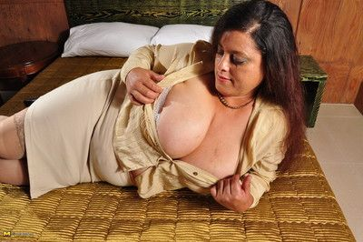 Mega chubby breasted latina housewife distrait connected with ragging plus pl