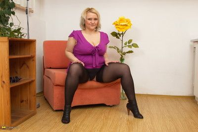 Chubby breasted housewife known a play the part idle away