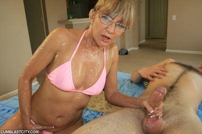 Putrid grown-up foetus yon glasses gets bukkaked chip a handjob
