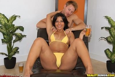 Sexy MILF with fatty ass and big tits gives a blowjob and gets fucked