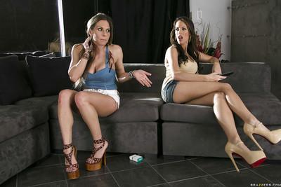 Leggy chicks Rachel RoXXX & Kortney Kane have a passionate lesbian sex