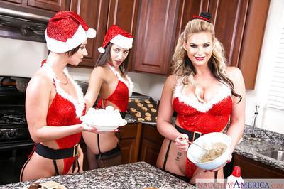 Christmas with sexy pornstars Abella Danger, Jada Stevens and Phoenix Marie