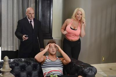 Chunky blonde cougar Alura Jensen gets shaved cunt licked by younger man