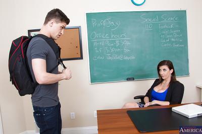 Mesmerizing cougar Sara Jay loves banging hard at school