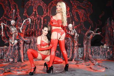 Stupendous fetish MILFs in latex outfits make some lesbian humping action