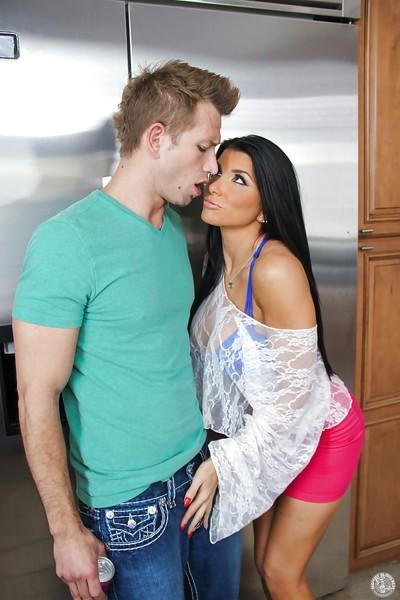 Brunette milf with big tits Romi Rain dose fantastic blowjob