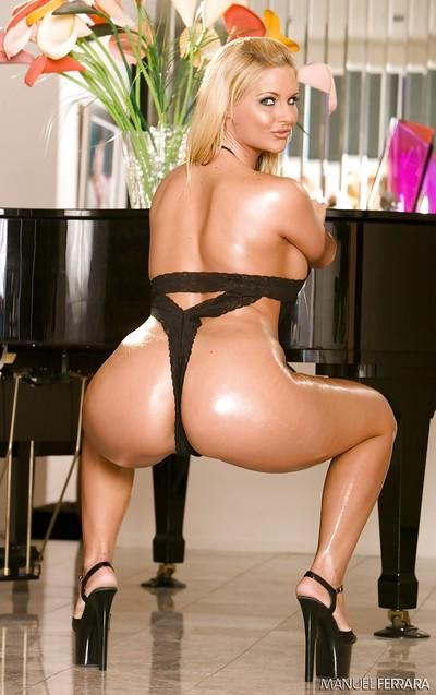 close up photographs of top shelf blonde pornstar Phoenix Marie