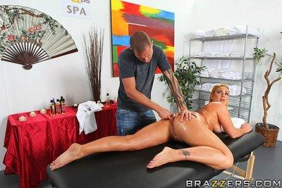 Nackt Flower Tucci  Flower Tucci