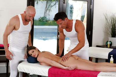Hardcore foursome action with dick-swallowing masseuse Brooklyn Chase