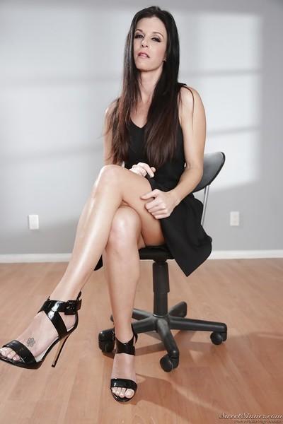 Leggy brunette MILF pornstar India Summer showing off nice legs in heels