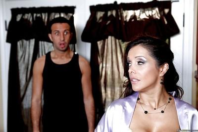 Sexy MILF Francesca Le enjoys hot anal sex after shower