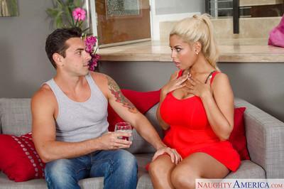 Bridgette B. an amateur girlfriend in reality show enjoying a pussy lick