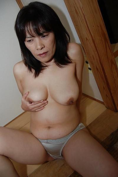 Asyalı Olgun Resimler