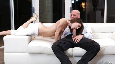 Young milf Jenni Lee gives blowjob and swallows juicy sperm!