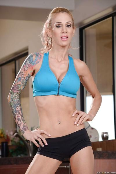 Hot milf Sarah Jessie has great tattoo and awesome body
