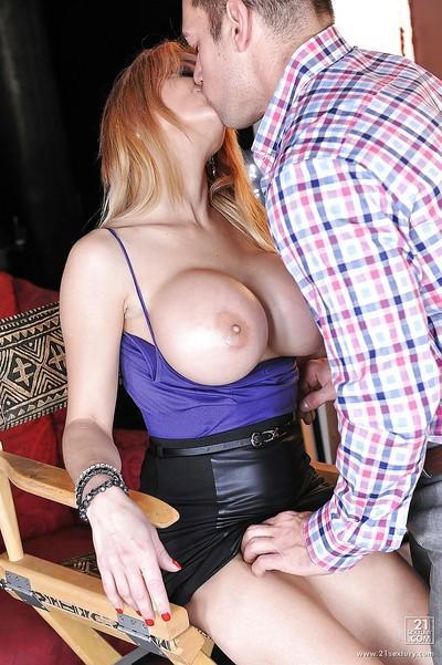 Perfect pornstar Alyssa Lynn fucked in the pussy and got cum on tits