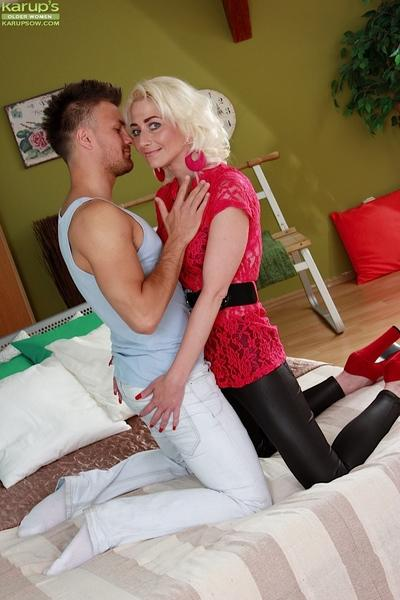 Older blonde lady Janotova seducing younger man for vaginal sex