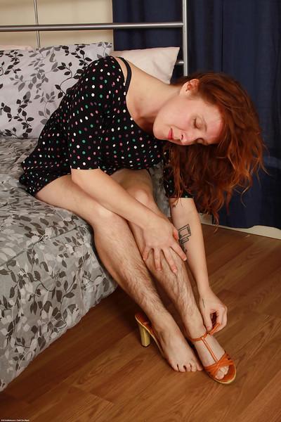 Hairy model Velma has legs that demand a hirsute woman lover