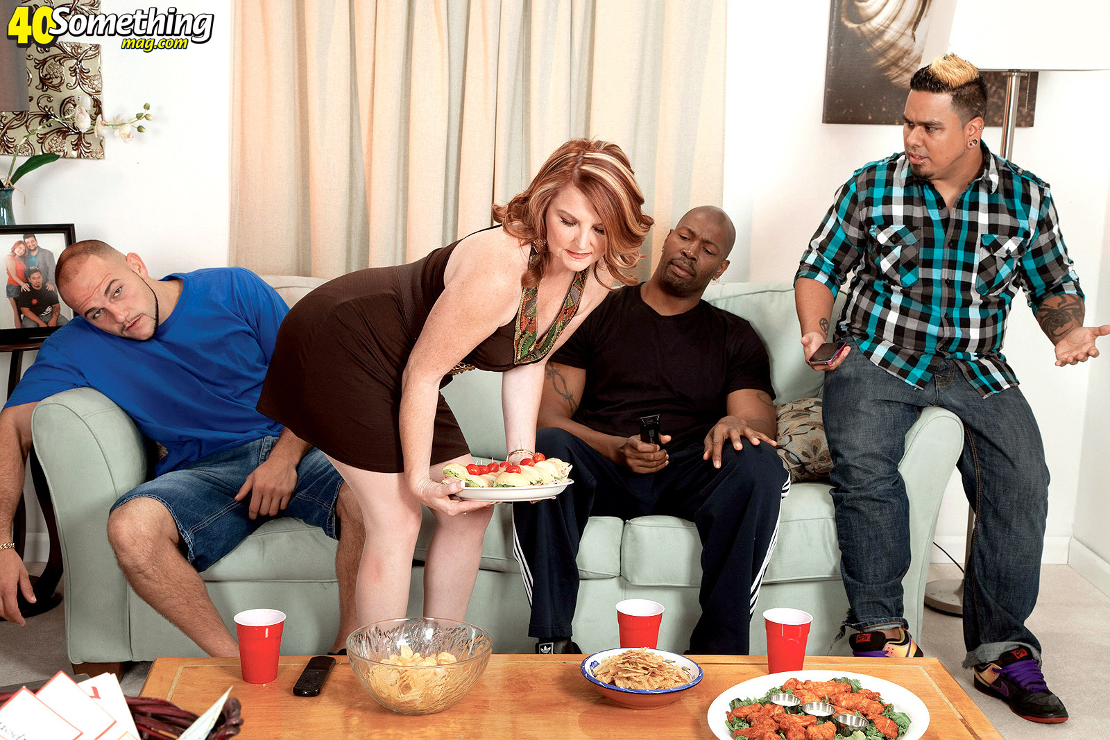 Interracial cuckold threesome with two black cocks in front of h