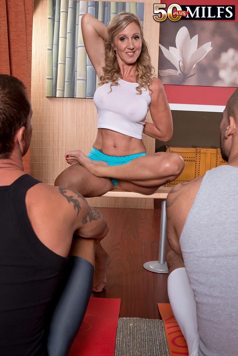 Threeway in the yoga studio with hot milf jenna covelli