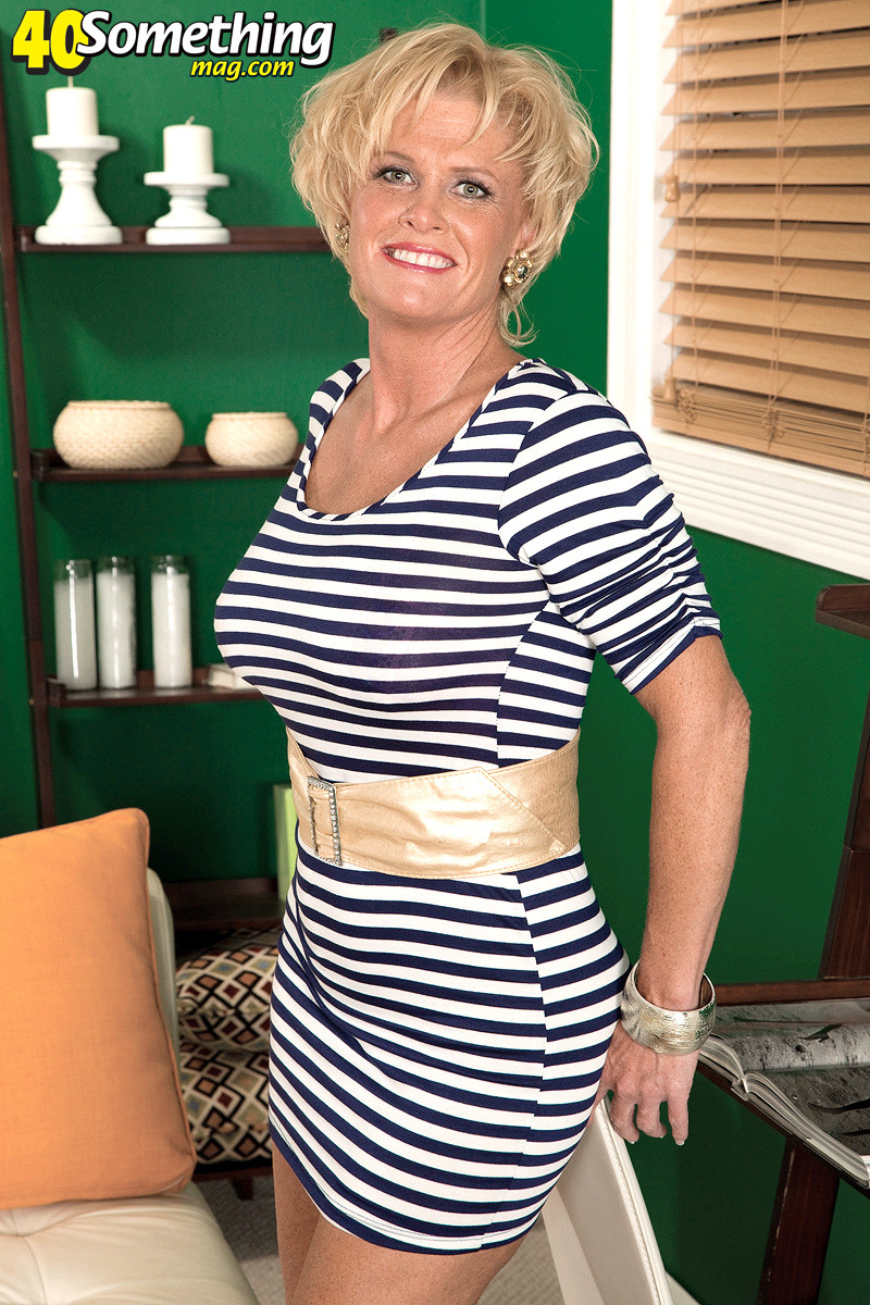 Busty mature lady loves black cocks