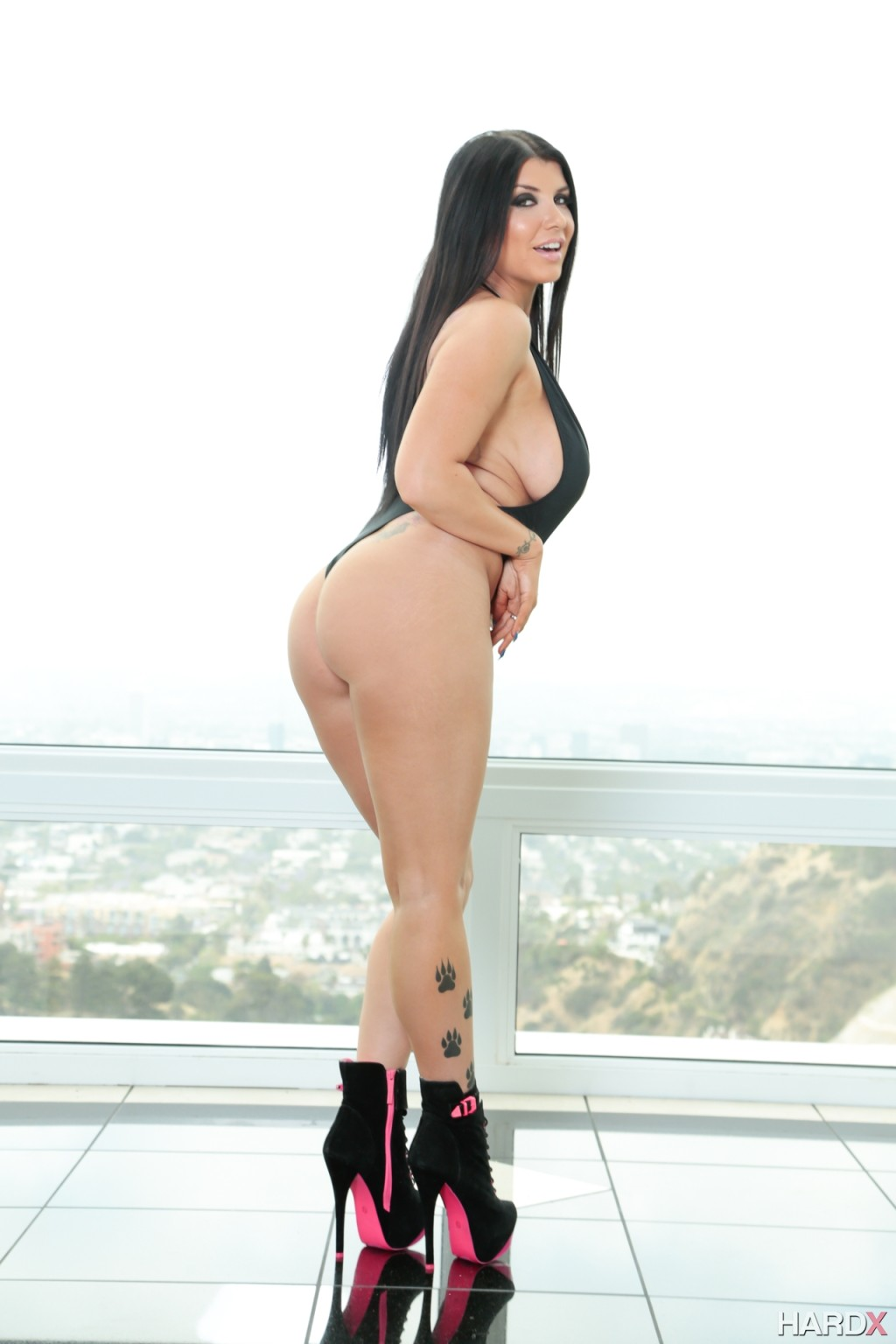 Romi rain 10 guy massive facial