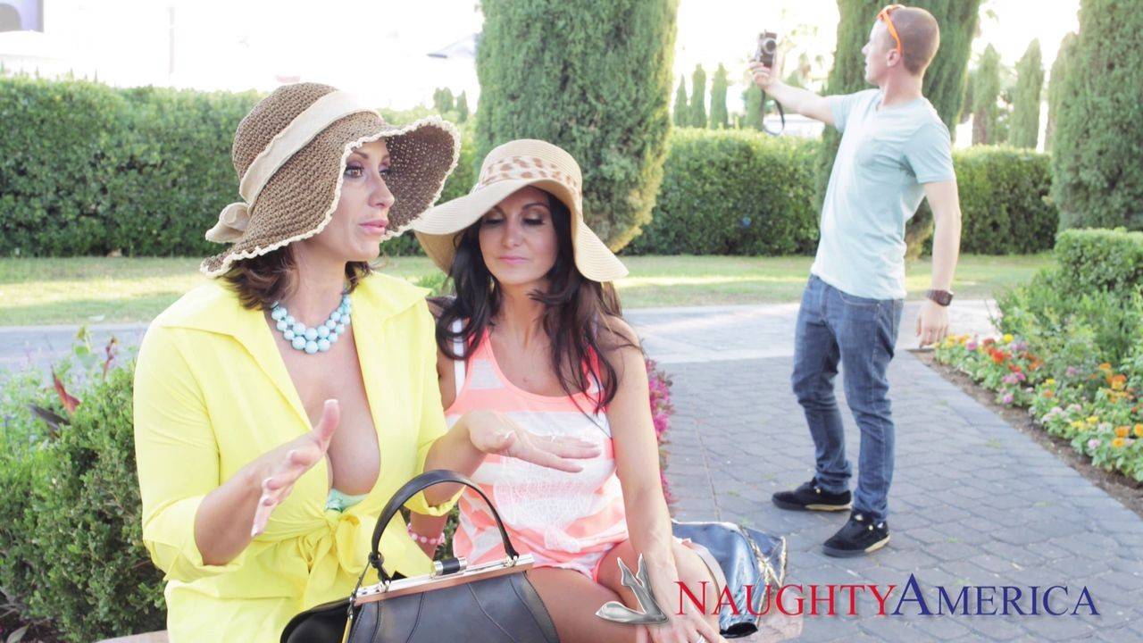Busty milfs ava addams and eva notty doing the same guy