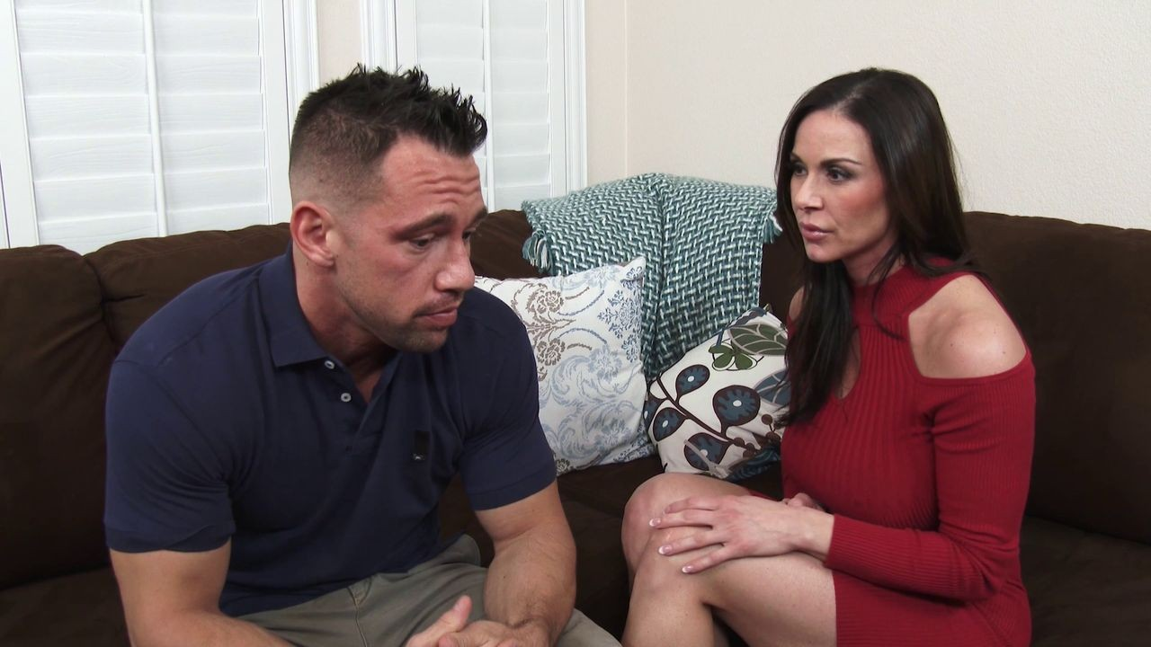 Bootylicous brunette milf kendra lust rides a hard dong
