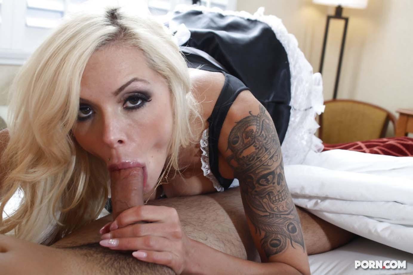 Busty cougar milf slut sucking and fucking big dick