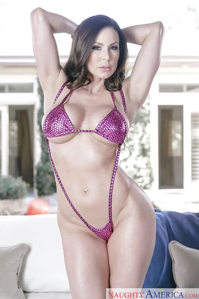 Brunette MILF babe Kendra Lust showing off nice ass and big tits
