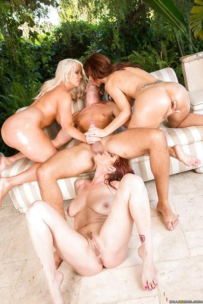 Ravishing MILFs with hot curves have a groupsex with a lucky hung guy