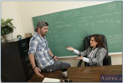 MILF teacher Diamond Foxxx shows her knowledge of deepthroat blowjobs