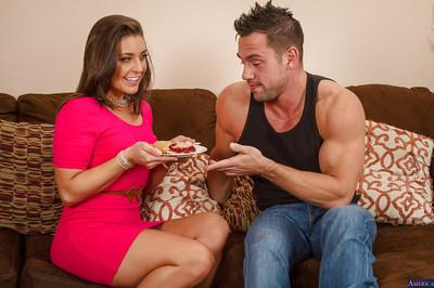 Milf with pretty face Gracie Glam is swallowing big load of sperm