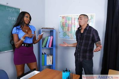 Black mom and teacher Diamond Jackson sucks her student