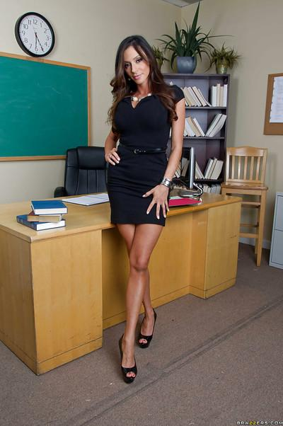 Voluptuous teacher on high heels Ariella Ferrera stripping in the class