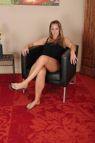 Fascinating posing scene featuring milf girl with big tits Amy Ball