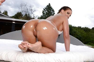 Big butt MILF Phoenix Marie fists her own filthy oiled asshole