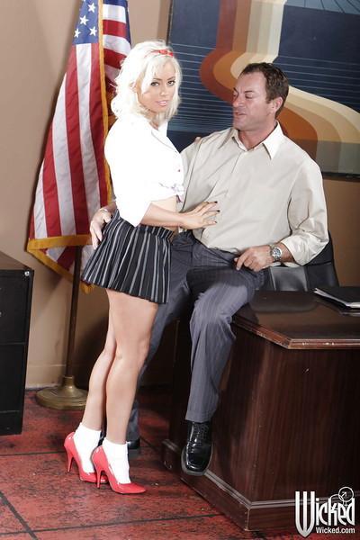 Blonde slut Lorelei Lee deepthroats a big cock and gets anally crashed