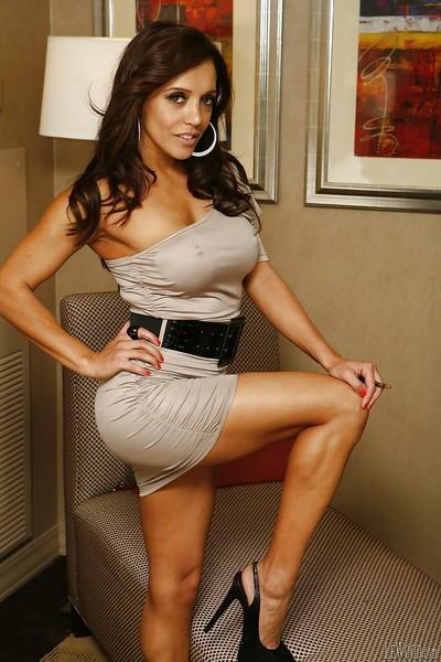 Beautiful pornstar with brunette hair Francesca Le shows her ass