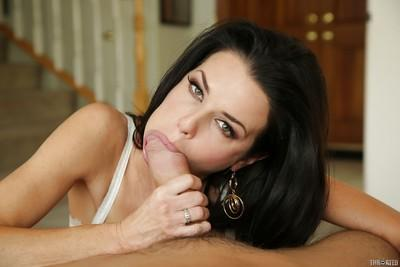 Veronica Avluv is doing an superb blowjob and enjoying a big load of cum