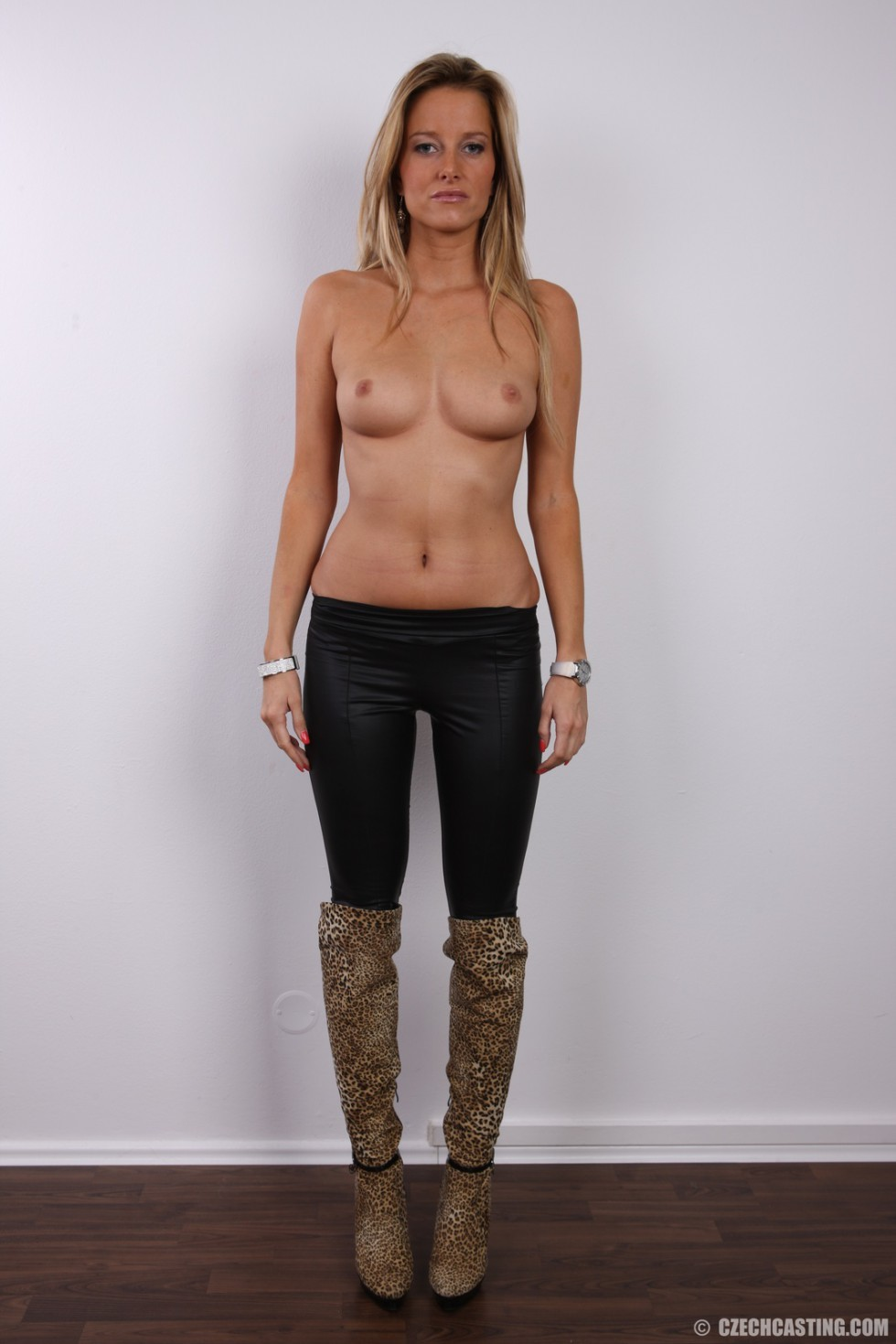 Blonde nackt sexy milf Free Mature